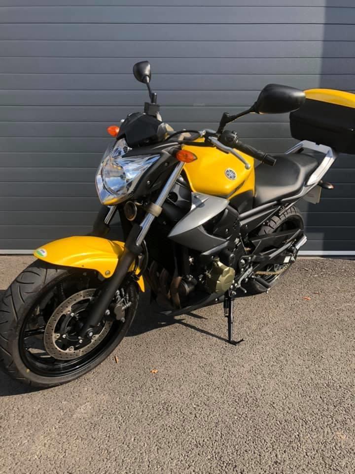 2014 Yamaha XJ6 SP - Moto.ZombDrive.COM
